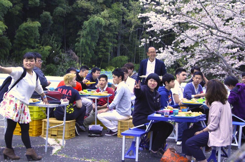 桜でランチ 花見